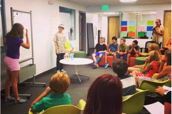 SUMMER PROGRAM TO SPUR DESIGN THINKING IN HIGH SCHOOL STUDENTS